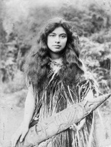 devushka-iz-plemeni-maori-foto